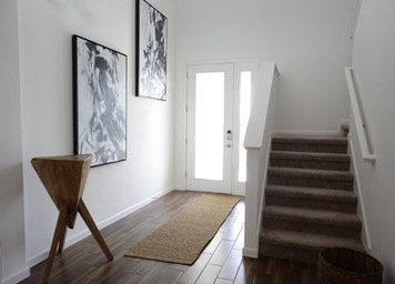 Online design Contemporary Hallway/Entry by Heidy F. thumbnail