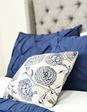 Online design Eclectic Bedroom by Hannah C. thumbnail