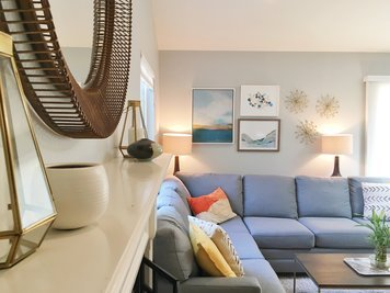 Online design Transitional Living Room by Christine M. thumbnail