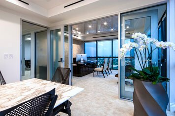 Online design Contemporary Business/Office by Theresa G. thumbnail
