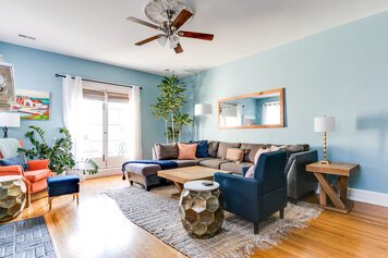 Online design Eclectic Living Room by Jacky G. thumbnail
