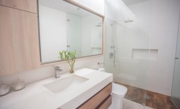 Online design Contemporary Bathroom by Mirella R. thumbnail