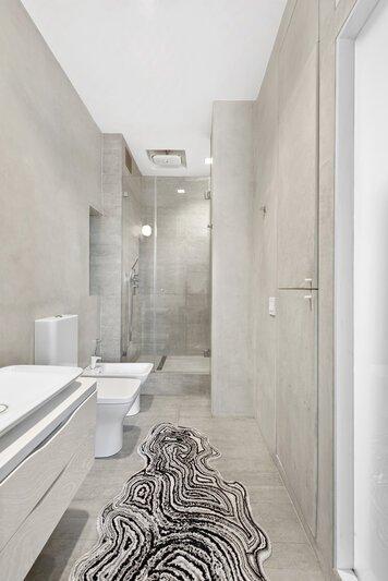 Online design Contemporary Bathroom by Sara M. thumbnail