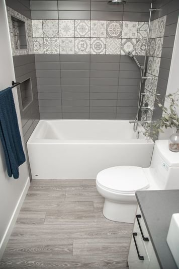 Online design Contemporary Bathroom by Natalie S. thumbnail