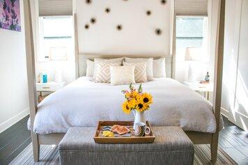 Online design Glamorous Bedroom by Michelle B. thumbnail