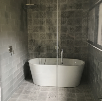 Online design Transitional Bathroom by Laura C. thumbnail