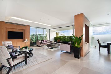 Online design Contemporary Combined Living/Dining by Amelia R. thumbnail