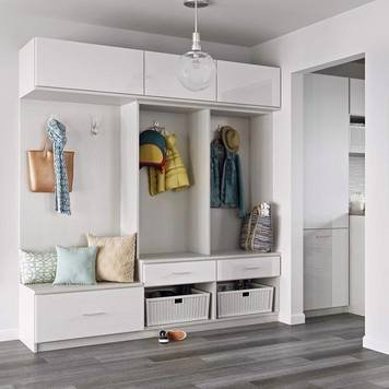 Online design Transitional Hallway/Entry by Laura L. thumbnail