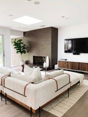 Online design Modern Living Room by Ashly C. thumbnail