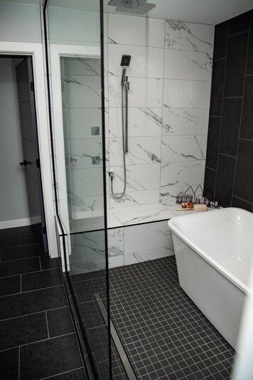 Online design Modern Bathroom by Natalie S. thumbnail