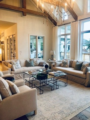 Online design Country/Cottage Living Room by Berkeley H. thumbnail