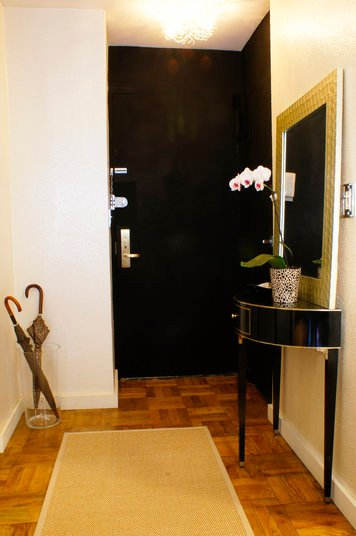 Online design Modern Hallway/Entry by Renata G. thumbnail