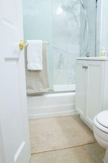 Online design Contemporary Bathroom by Renata G. thumbnail