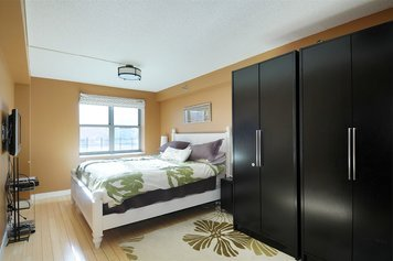 Online design Contemporary Bedroom by Tarah Y. thumbnail