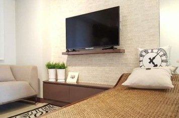 Online design Eclectic Living Room by Hannah D. thumbnail