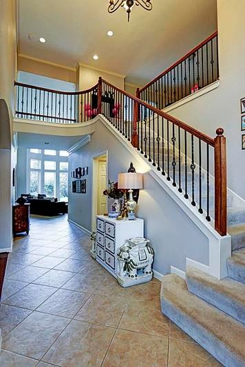 Online design Eclectic Hallway/Entry by Jessica C. thumbnail