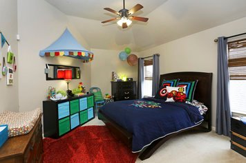 Online design Eclectic Kids Room by Jessica C. thumbnail