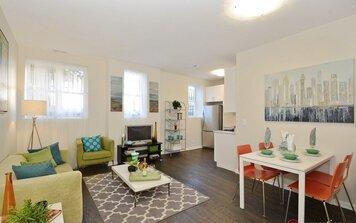 Online design Eclectic Living Room by Rachel H. thumbnail
