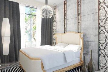 Online design Glamorous Bedroom by Sara T thumbnail