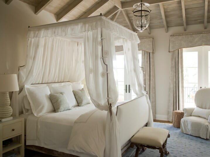 sexy-interior-design-canopy beds