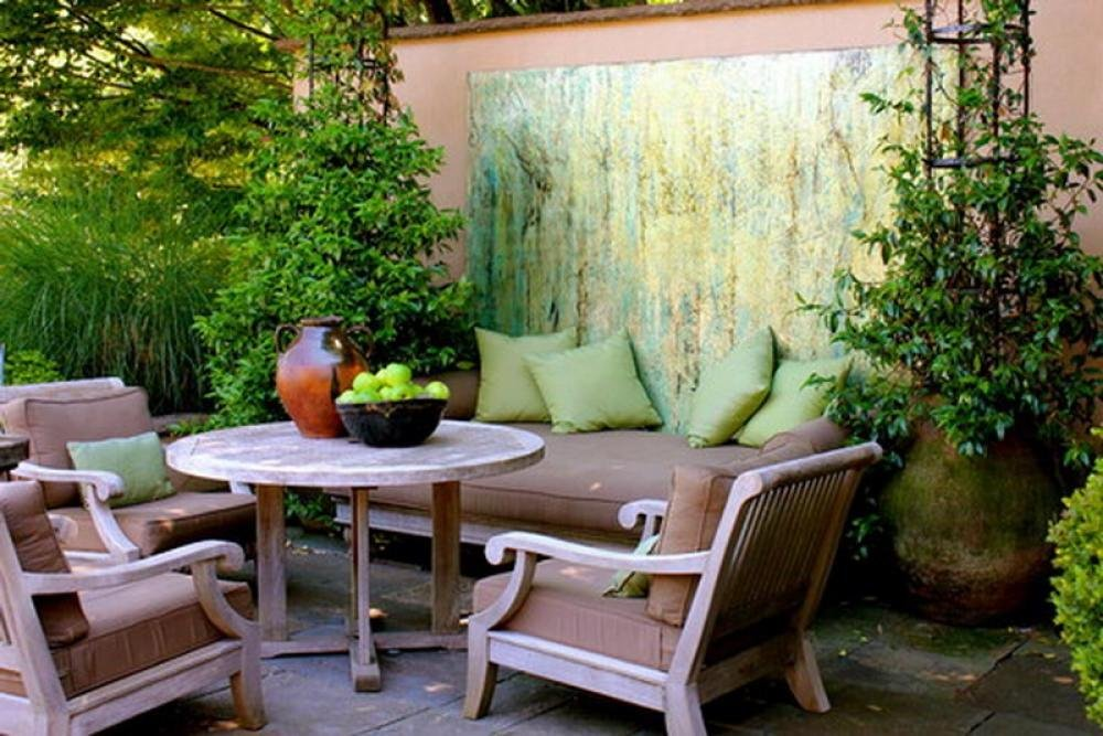 small patio contemporary design