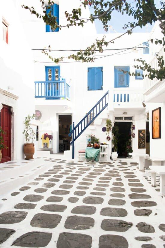 my-paradissi-mykonos-town-alleys-eleni-psyllaki-01