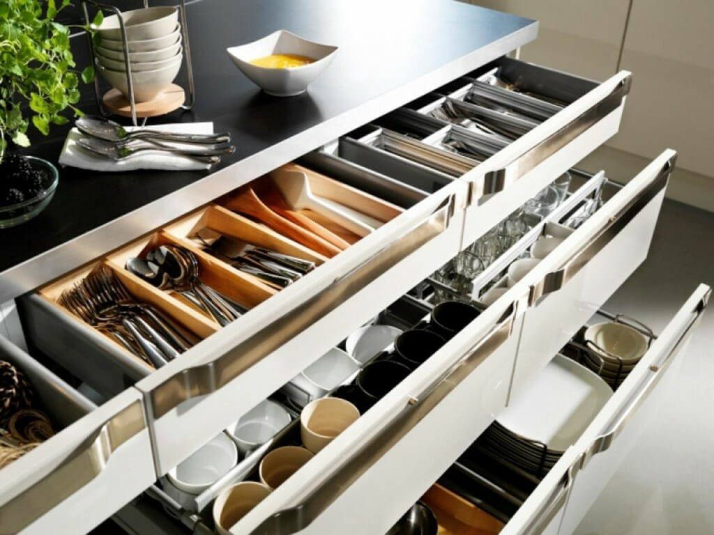 pull-out-kitchen-cabinet-organizers