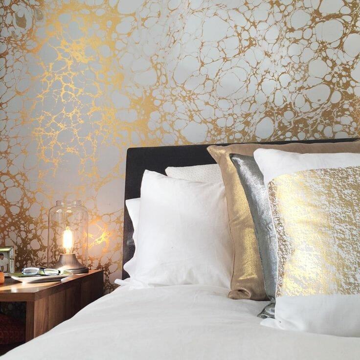 marbelized wallpaper bedroom design