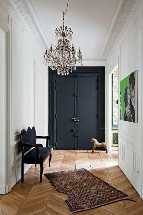 winter-design-trends-black-door