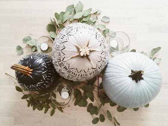 fall table decoration neutral pumpkin