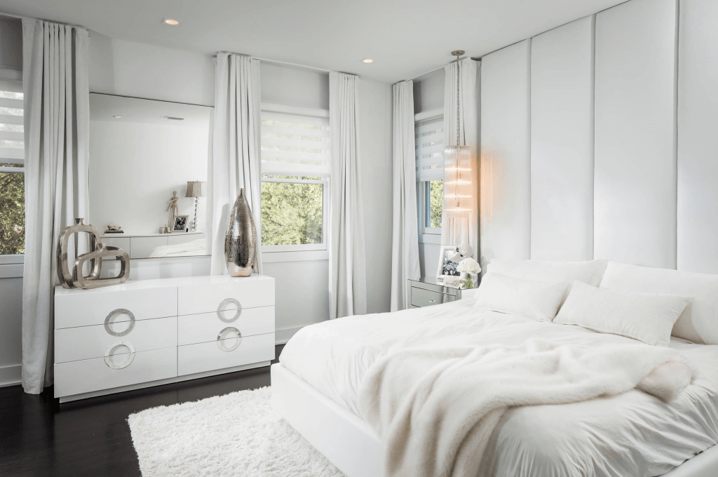 4.TotalWhiteBedroomColourCombination