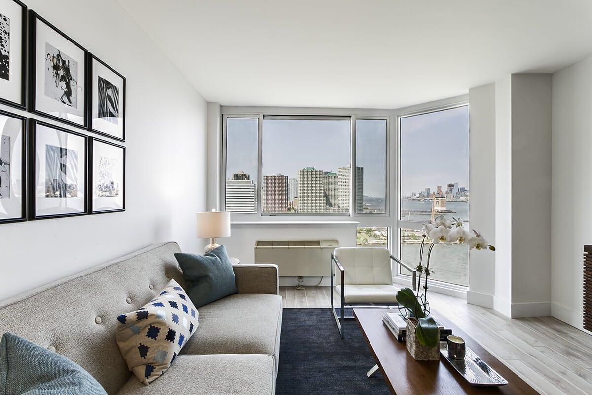 interior designer spotlight mid-century modern living room