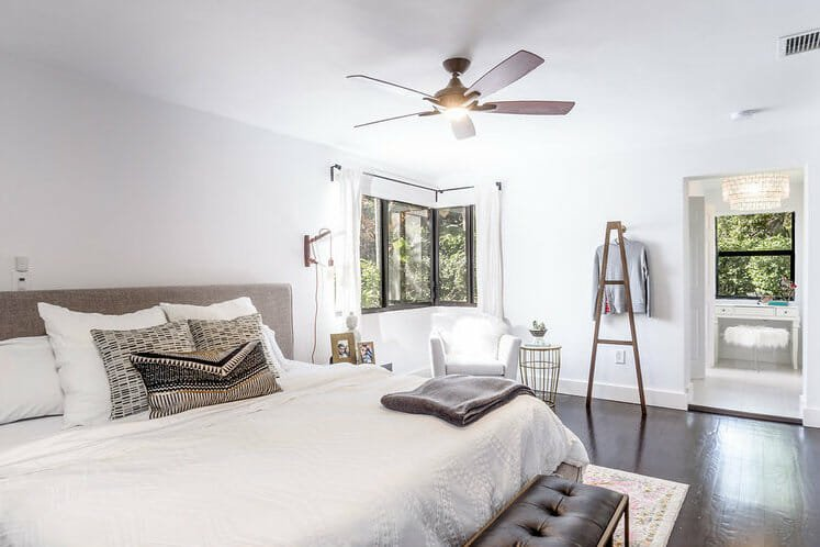 2_bedroom_interior_design_no_clutter