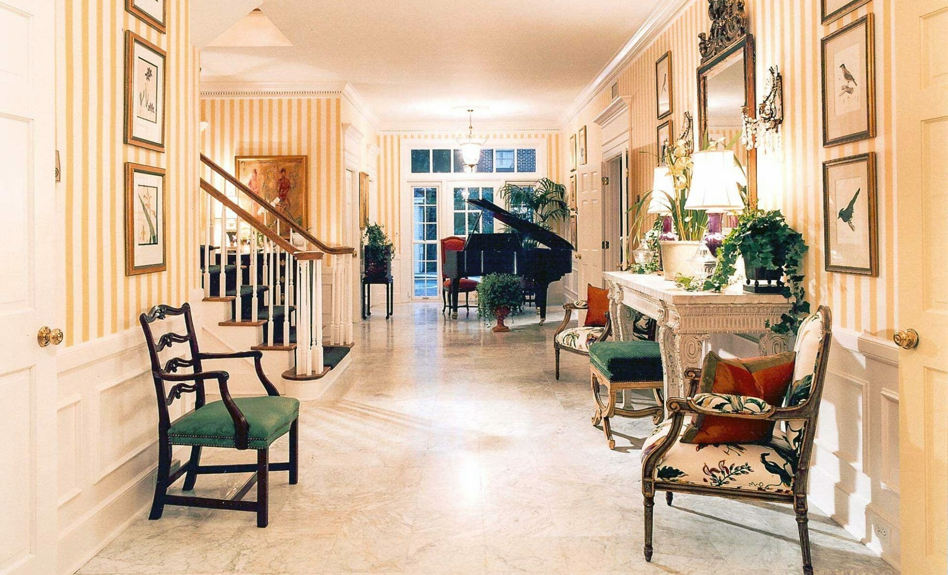 hire-an-interior-designer-in-tampa-Traditional-Foyer