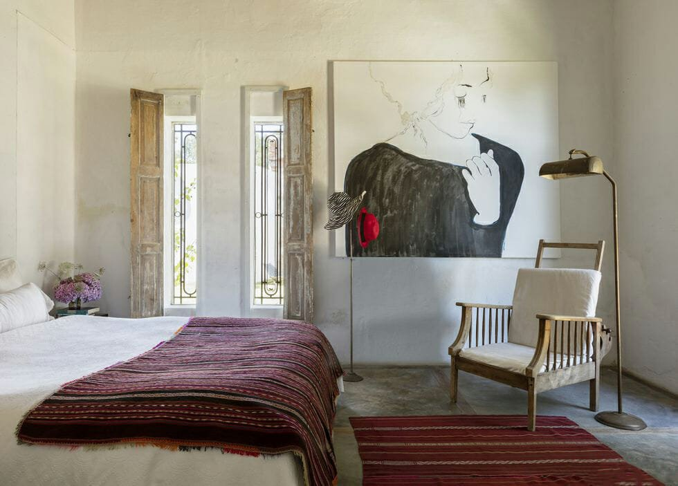 feng shui bedroom layout without distractions