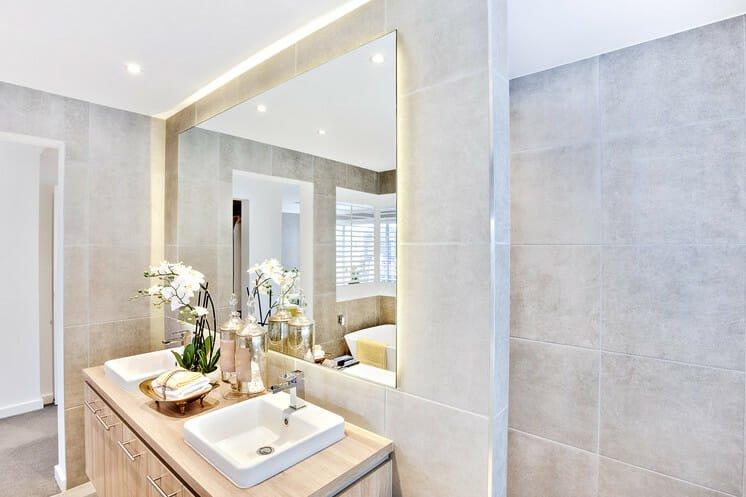 _Bachelorette_pad_decor_bathroom2