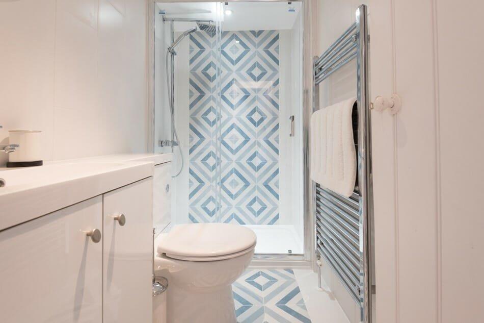 interior designer spotlight tam eyre bathroom 1