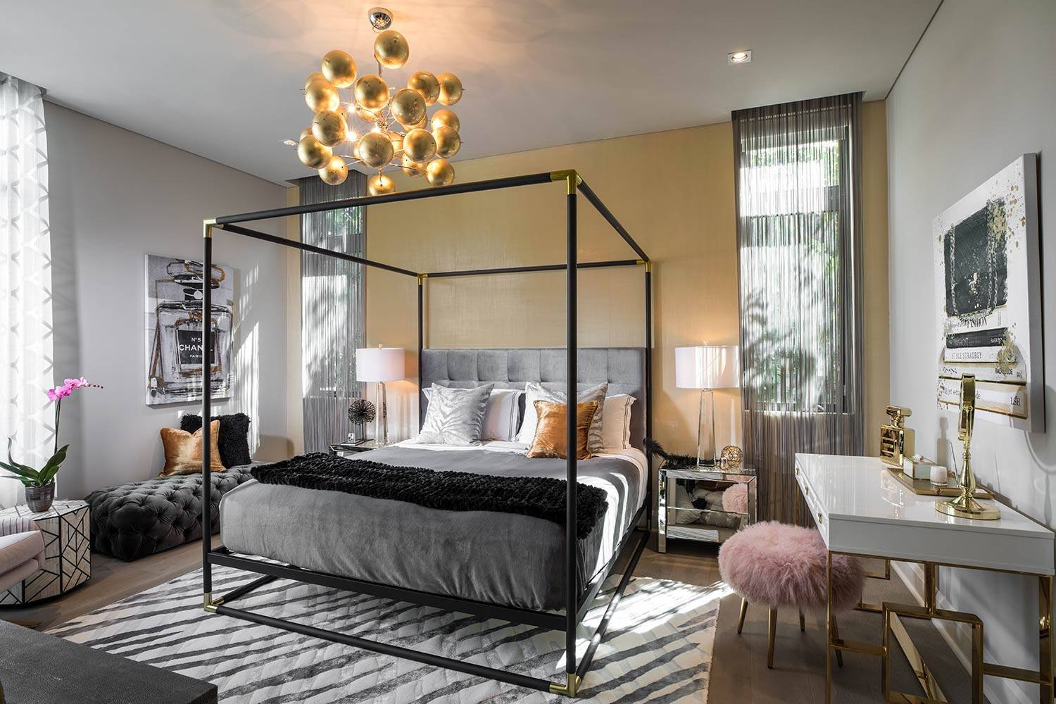 glamorous canopy bed 2020 interior design trend - decorilla