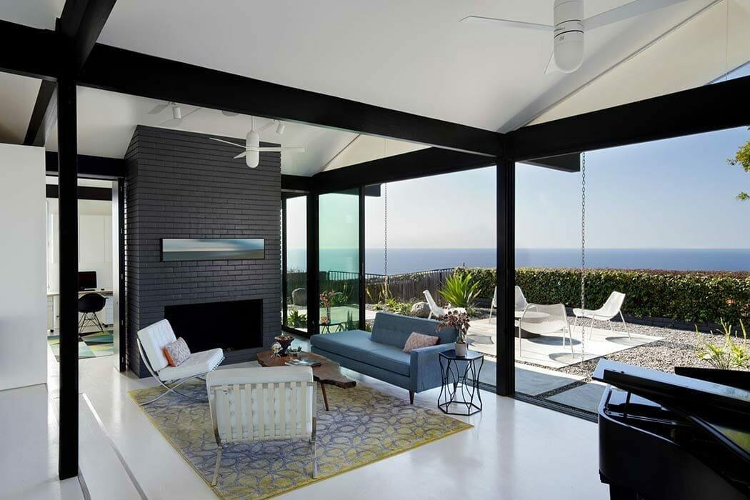 LA Interior Designer Scott Thomas modernist ocean view living room
