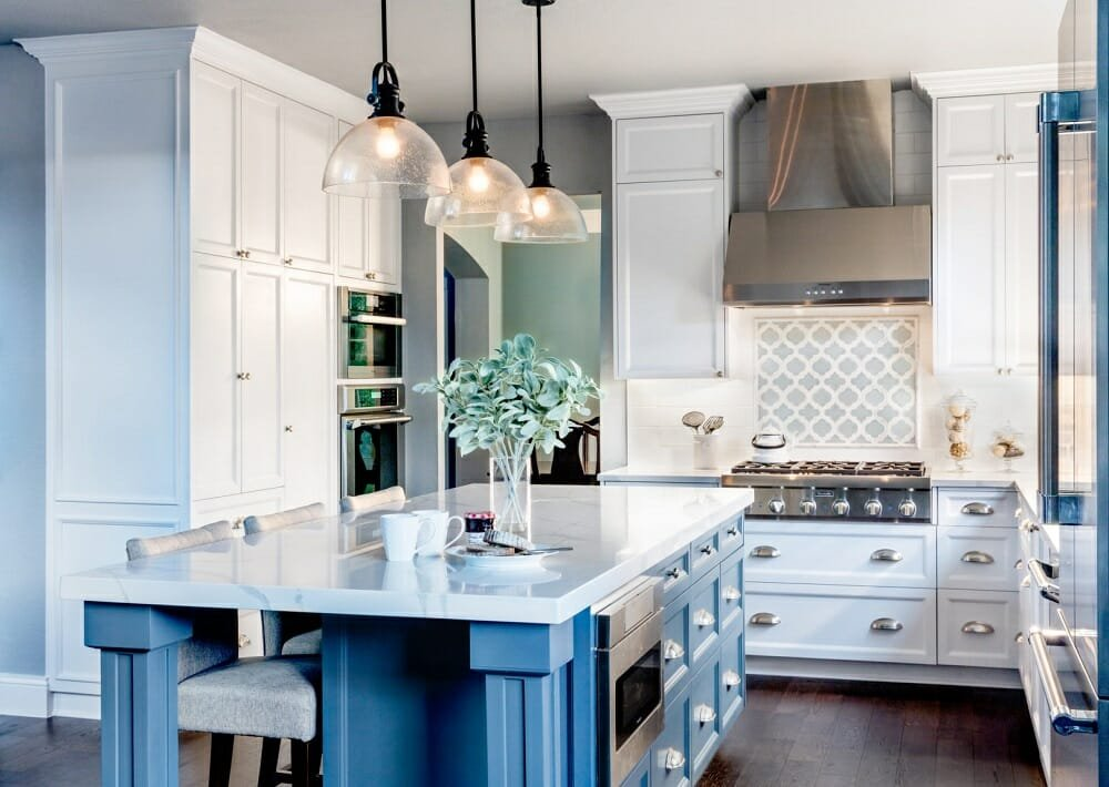Contemporary farmhouse style kitchen by Allison Jaffe, one of Austin interior decorators