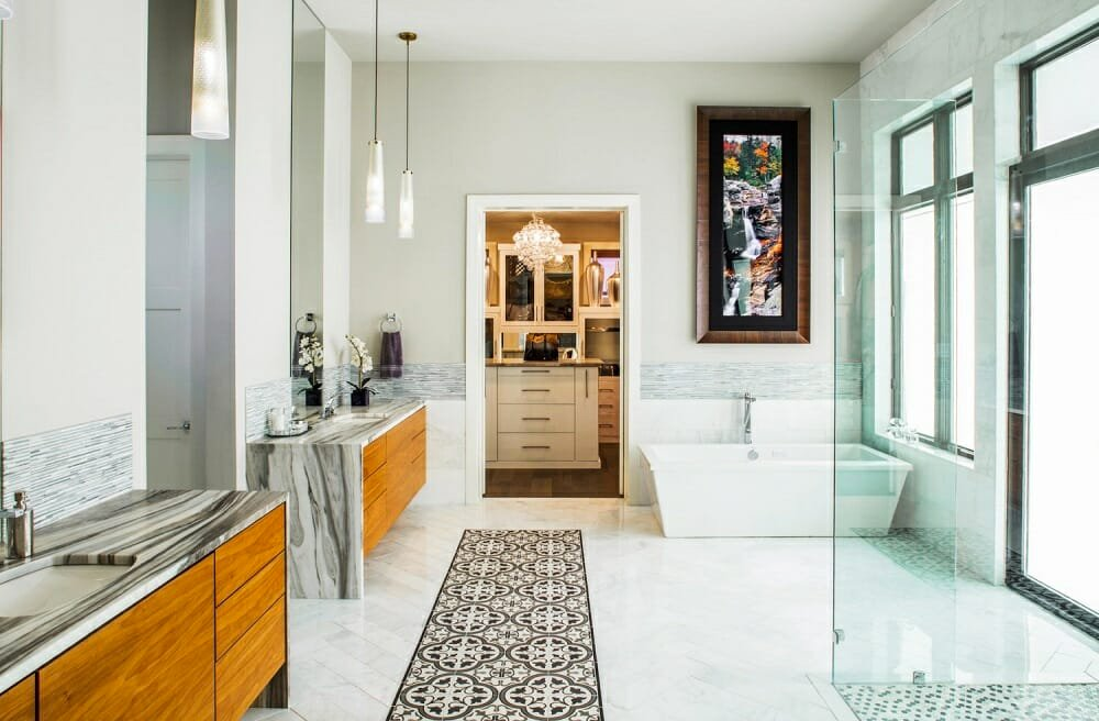 Glamorous bathroom by Austin interior designers Gingerwood