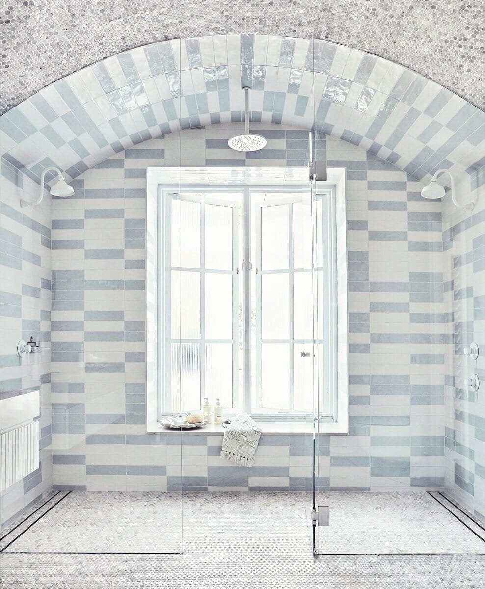 Floor to ceiling Shower Tile Idea
