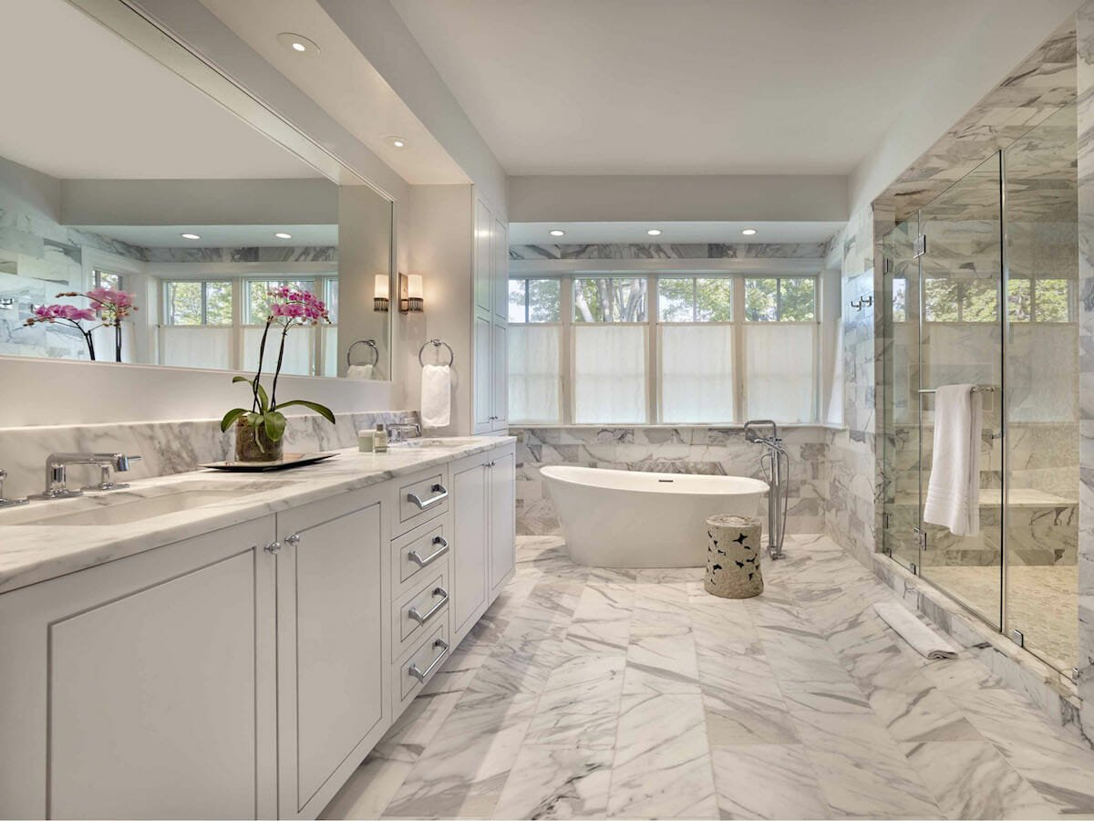 Luxurious all-over marble bathroom tile ideas