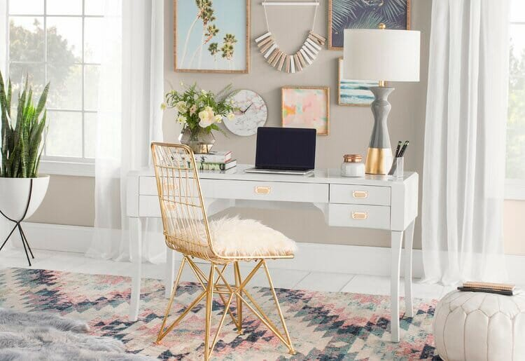 glam teen small study room design