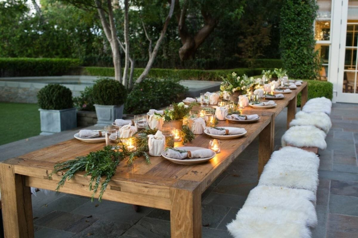 Simple Thanksgiving decorating ideas for a big table