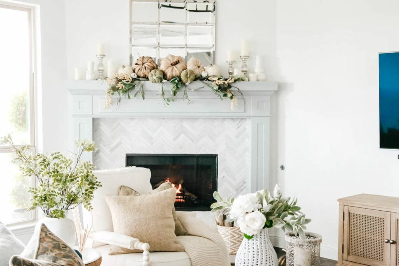 Thanksgiving decorating ideas for a living room