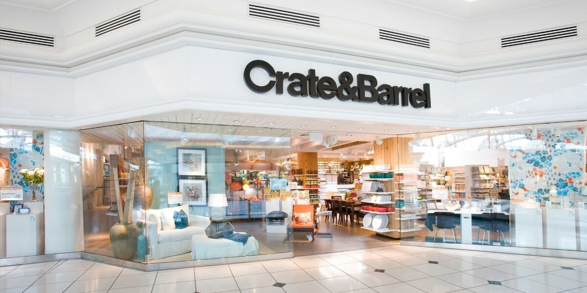 Crate and Barrel Black Friday store front