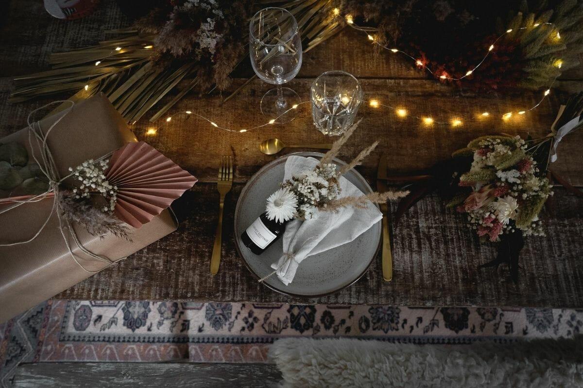 Rustic Christmas table with feminine Christmas decorating ideas