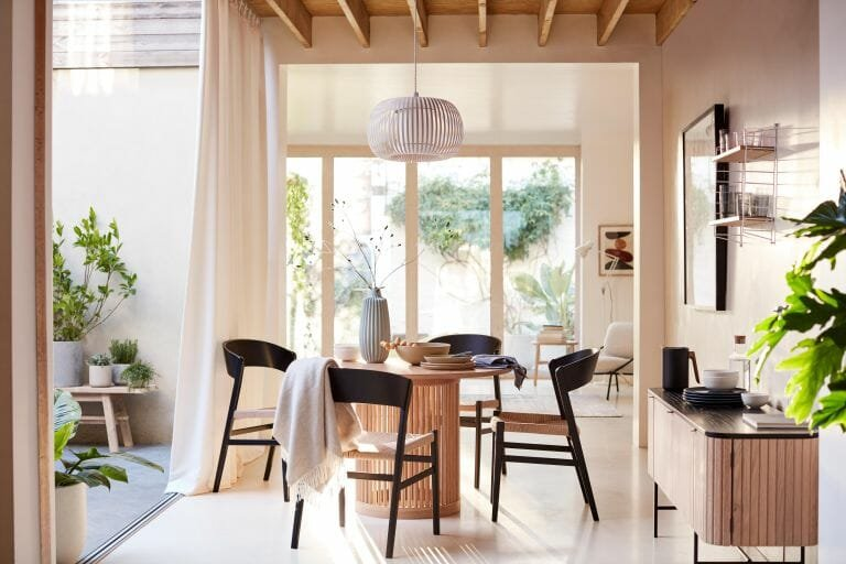 Bright and airy dining space design trends 2021