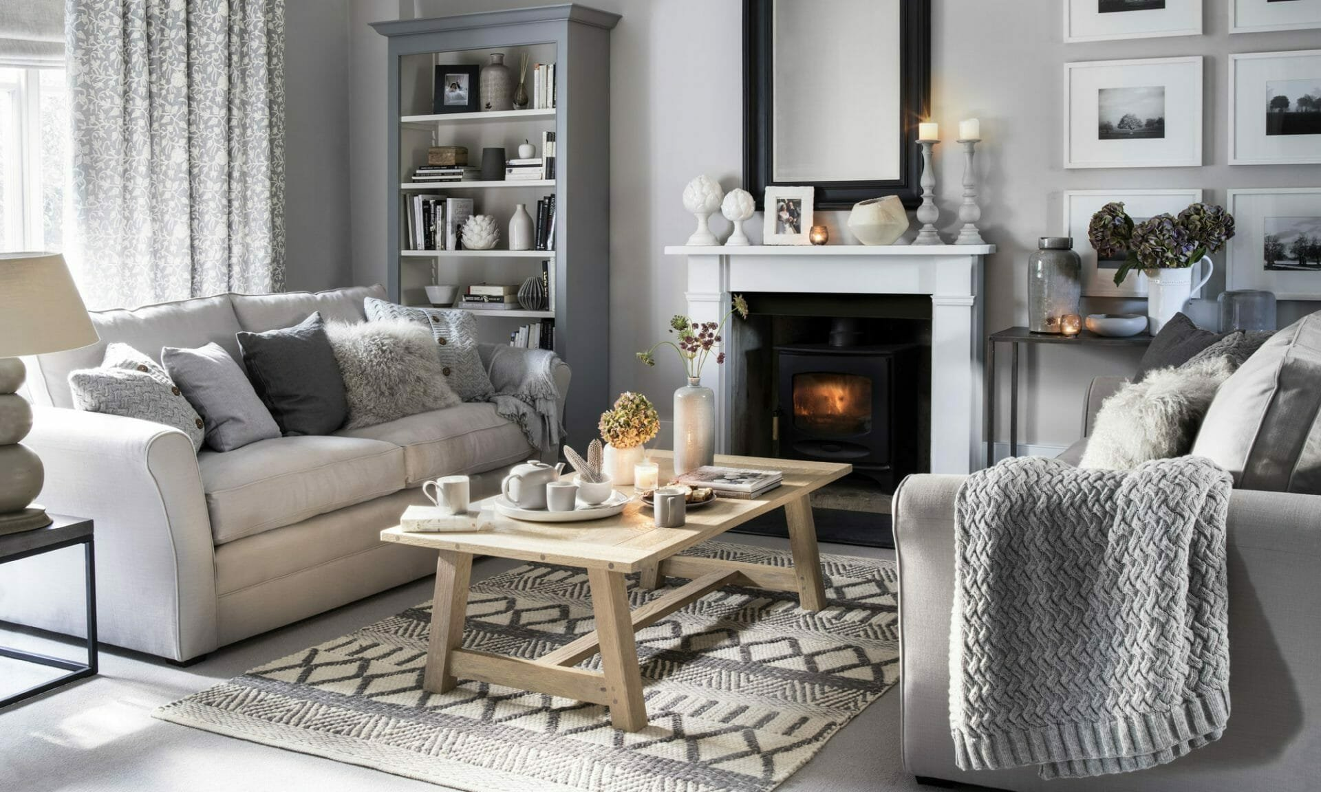 Cozy neutral gray living room winter decor ideas